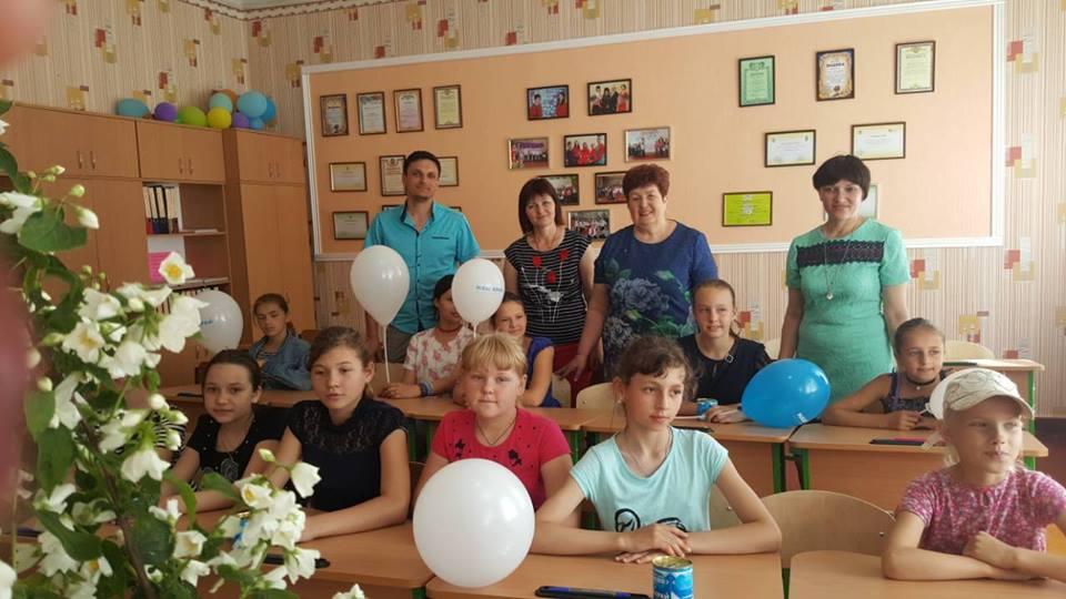 На Чернігівщині дітей привітали депутати (Фото)