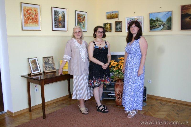 У бібліотеці Короленка відкрилася виставка картин  «Коли душа у барвах оживає…» Ядвіги Белявської (Фото)