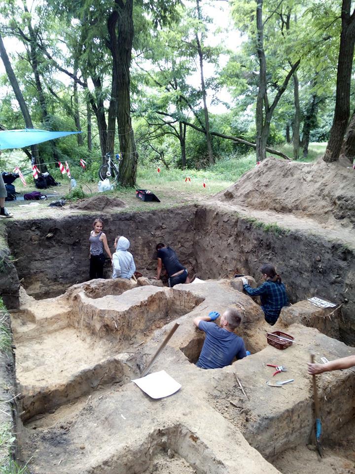 Чернігівські археологи знайшли семиярусне кладовище