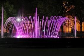 svitlomuzichnij-fontan-chernigiv[1]