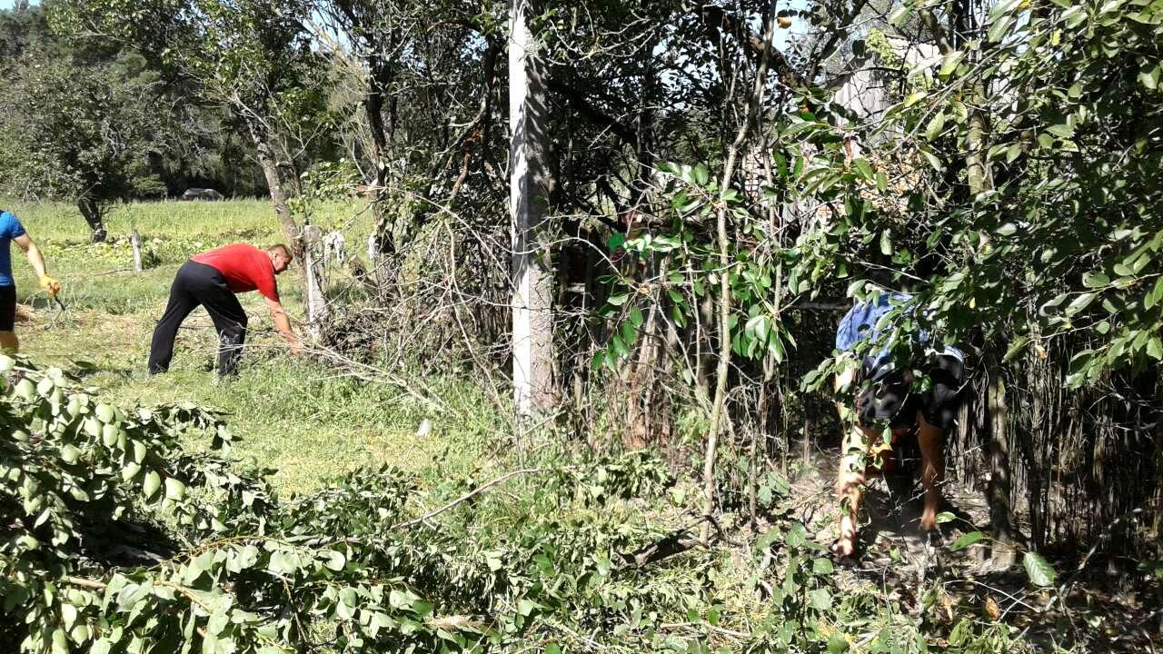 На Чернігівщині жителі села облаштували дитячий майданчик (Фото)
