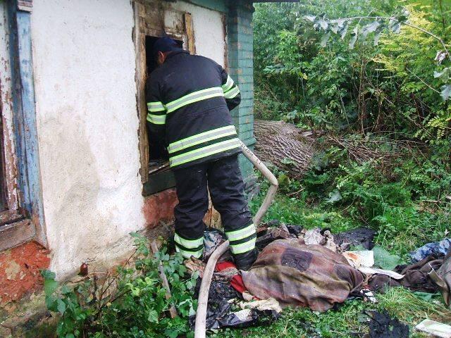 Народився в сорочці: вогнеборці врятували 34-річного чоловіка (Фото)