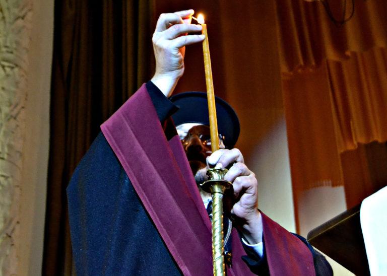 Ніжинці долучилися до Всеукраїнського рекорду по переписуванню Біблії (Фото)