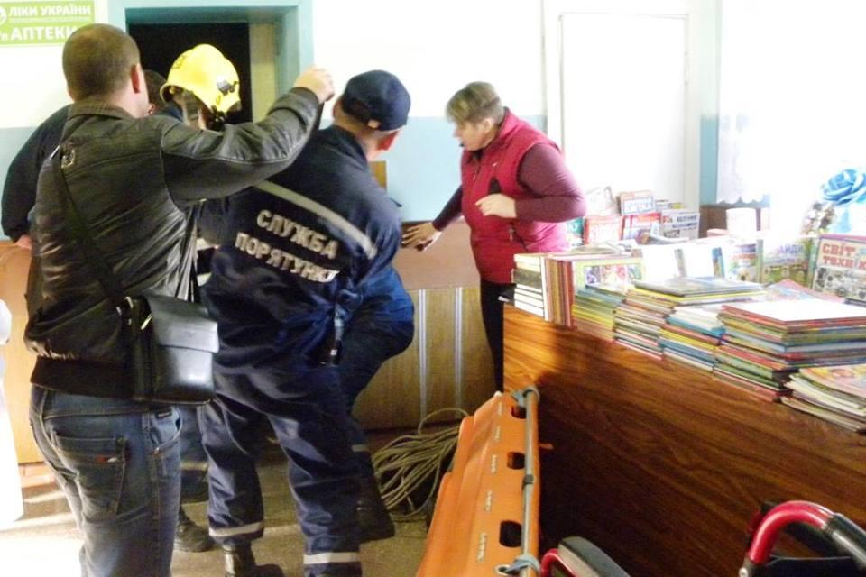 «Пастка» в психлікарні: чоловіка рятували з ліфтової шахти (Фото)