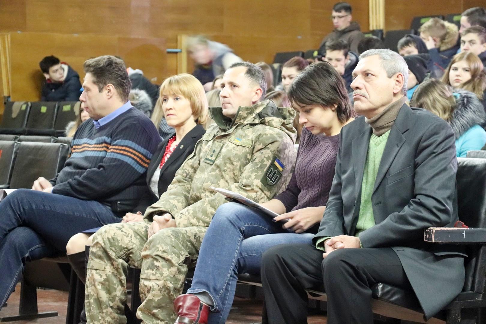 Учні та студенти з Чернігова написали листи для підтримки політв'язнів
