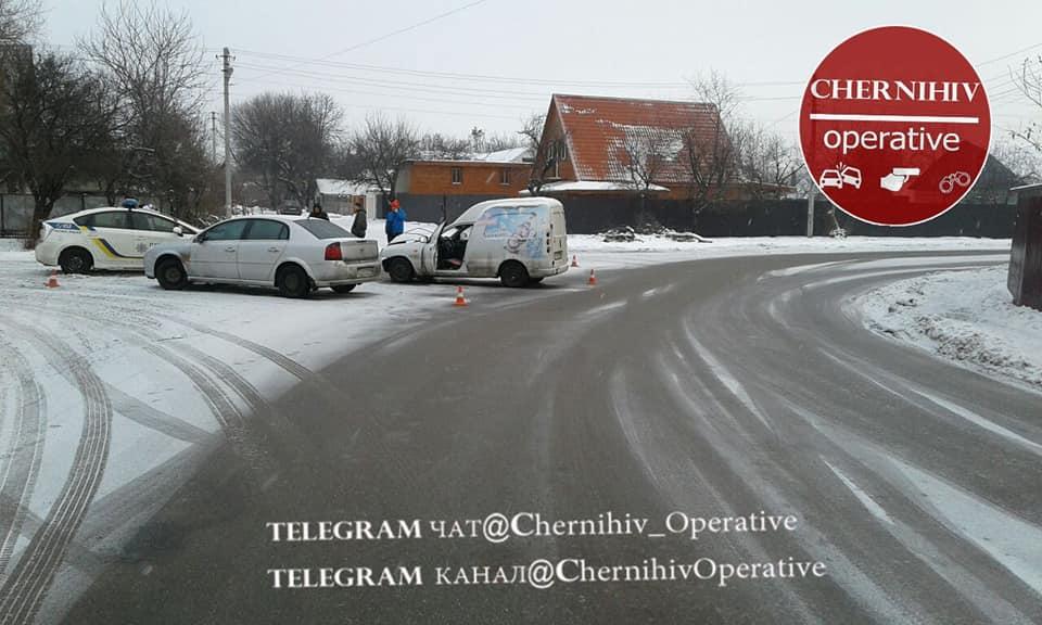 У Чернігові чергова ДТП (Фотофакт)