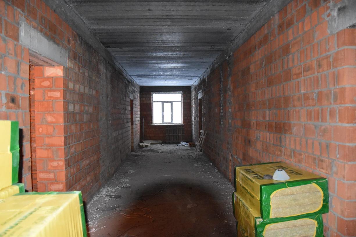 У Гончарівському завершують будівництво першого гуртожитку поліпшеного типу для військовослужбовців (Фото)
