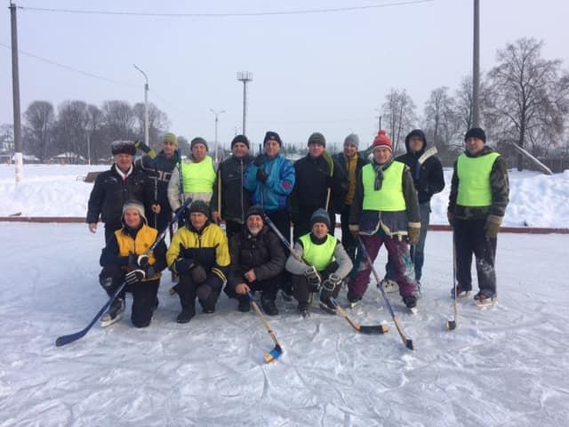Ветерани хокею зі Сновська обіграли городнянців (Фото)