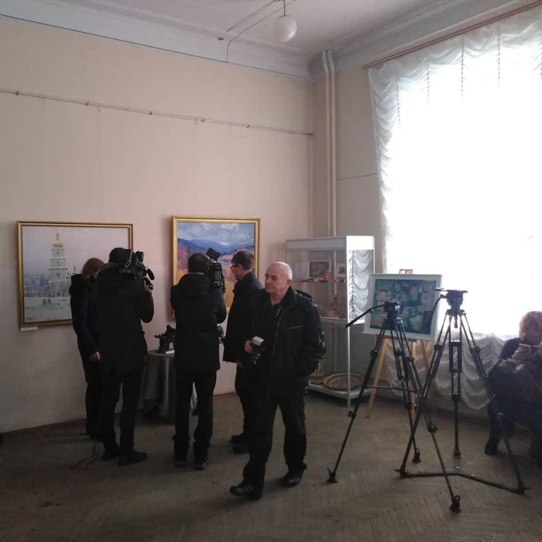 «Мистецтво єднає Україну»: нова виставка у художньому музеї імені Григорія Галагана (Фото)