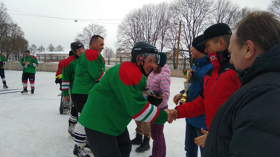 Хокеїсти Сосниці та Мени провели товариський матч (Фото)