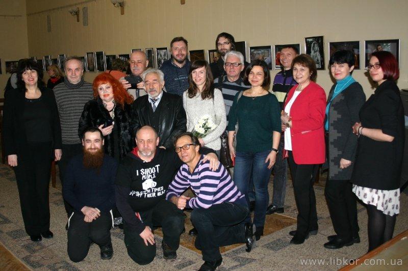 У бібліотеці Короленка відзвітували фотохудожники Чернігівщини (Фото)