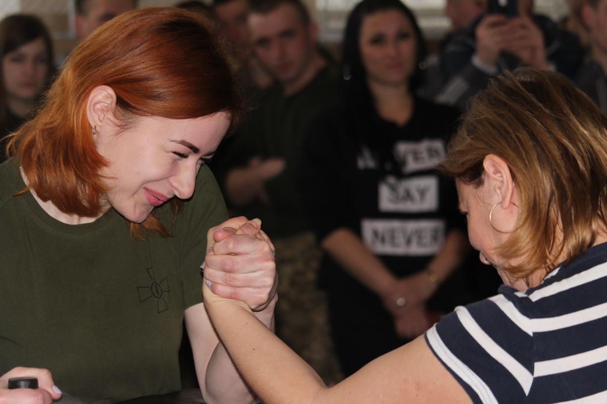 Відбулися змагання з армреслінгу на першість оперативного командування «Північ» (Фото)