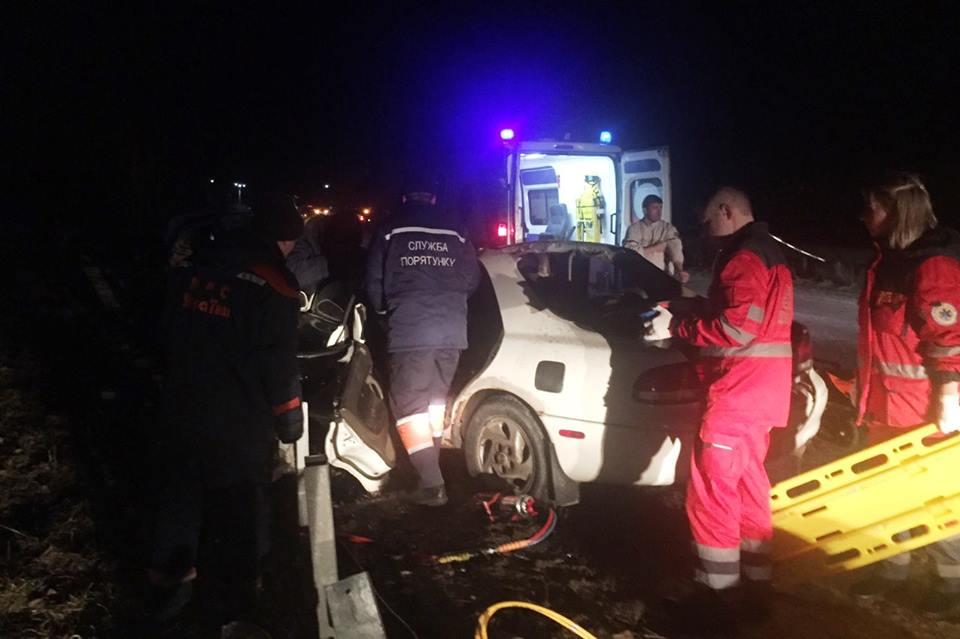 Моторошна ДТП: рятувальники деблокували постраждалого водія (Фото)