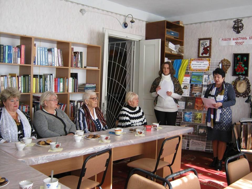 Дослідницький центр, театр і народні ремесла: Носівська бібліотека стала платформою для творчих людей (Фото)