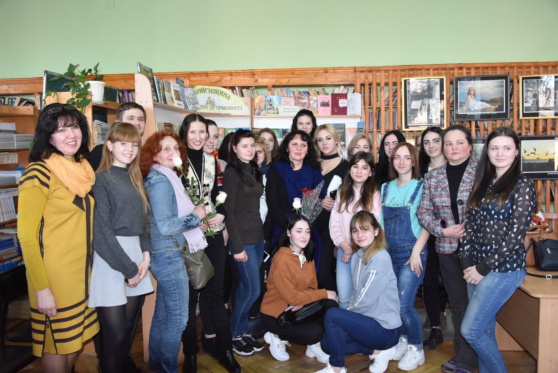 До читачів бібліотеки Коцюбинського завітали актори (Фото)