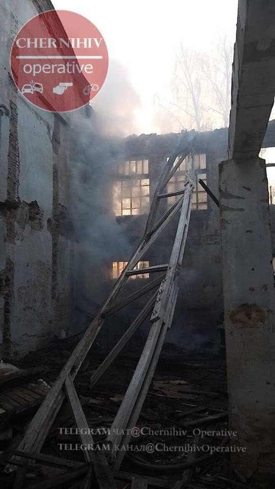 На Музичній горіла будівля (Фото)