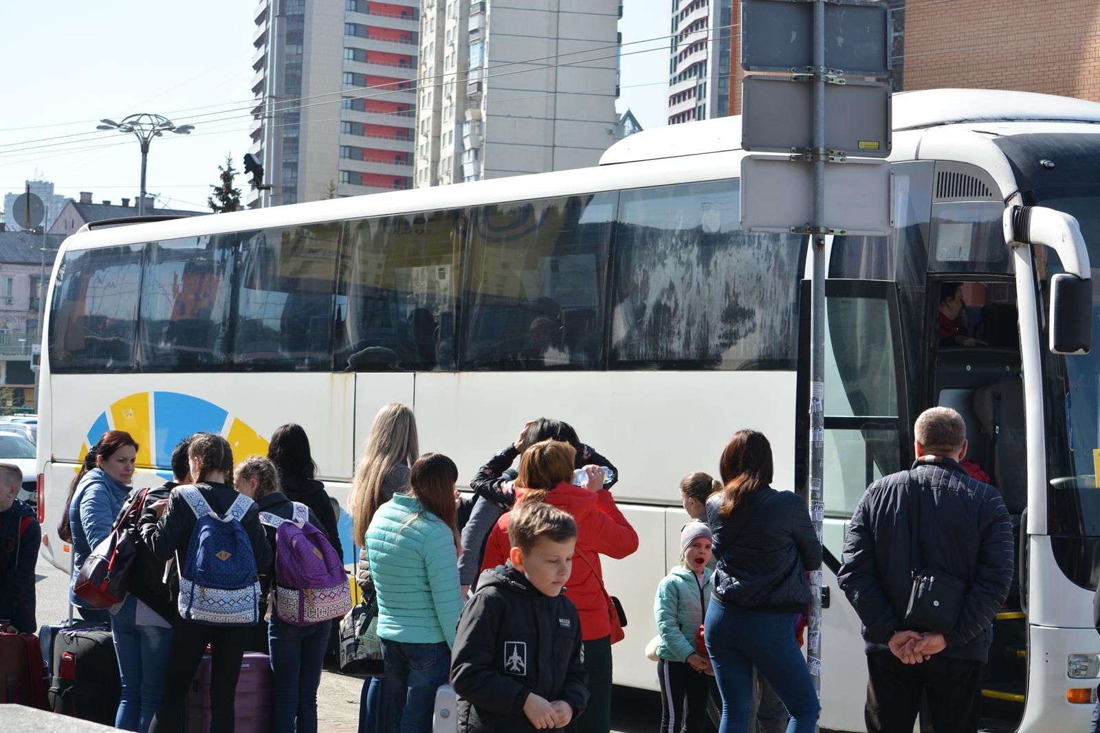 На відпочинок до Туреччини відбули 6 родин загиблих героїв з Чернігівщини (Фото)