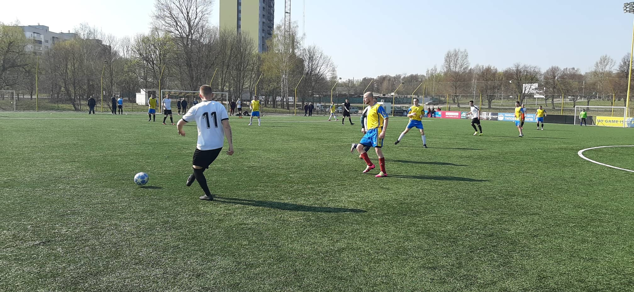 У Чернігові розпочався новий сезон ігор з дворового футболу (Фото)