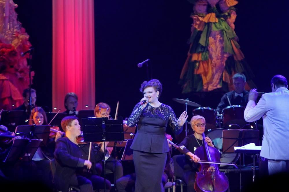 Як високо можна злетіти на крилах пісні: у театрі відбувся концерт (Фото)