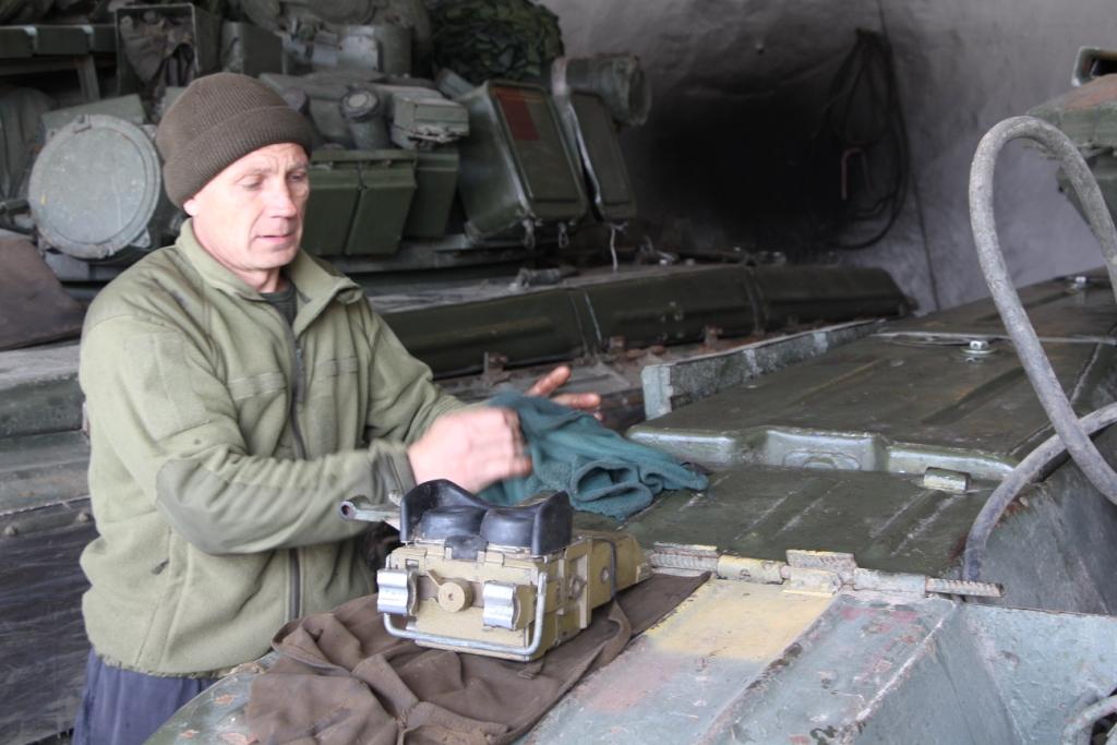 Гончарівські танкісти працюють «із вогником» і чекають на оновлення парку машин (Фото)