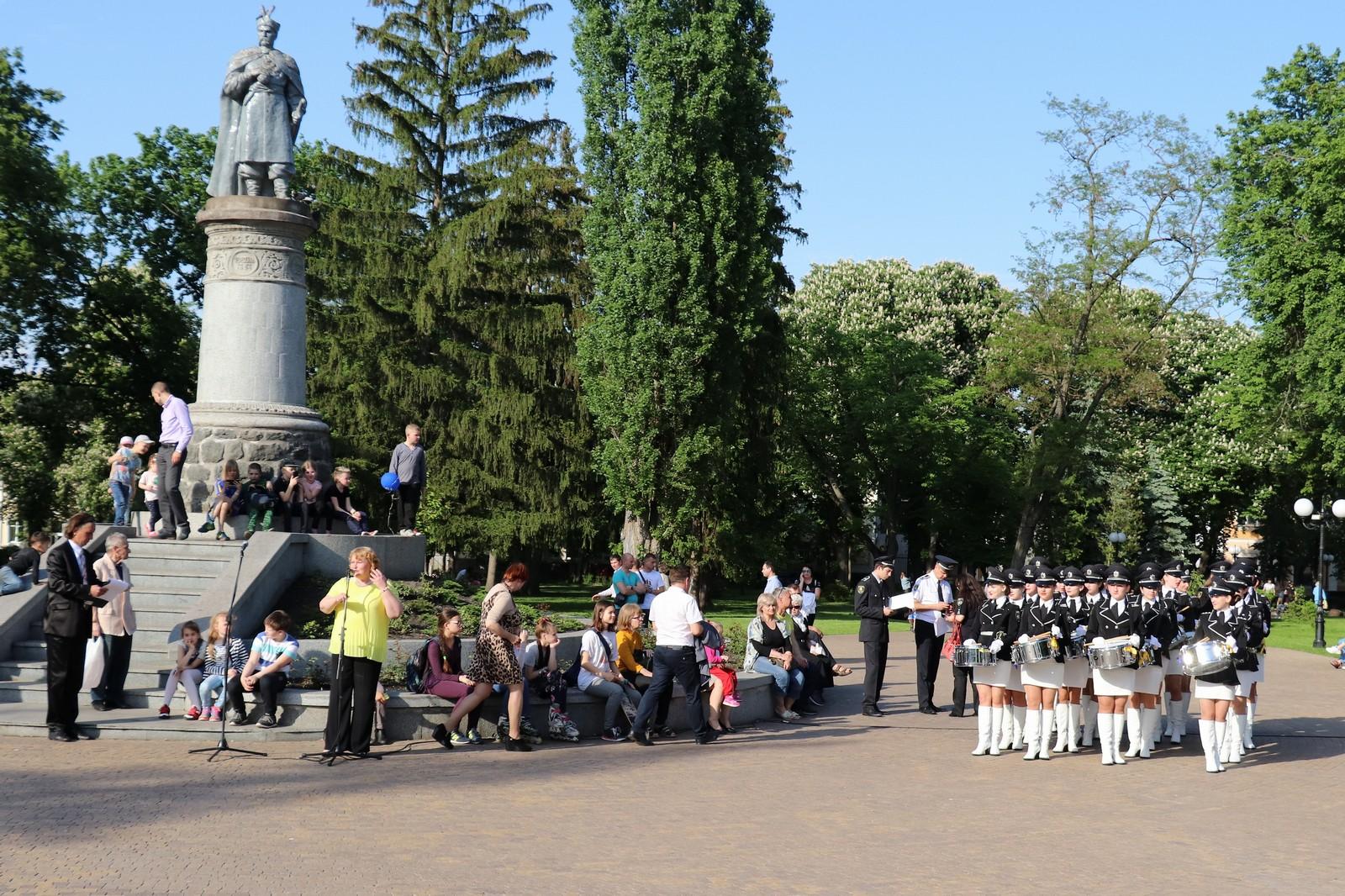 Творчі колективи поліції Донеччини провели концерт у Чернігові (Фото)