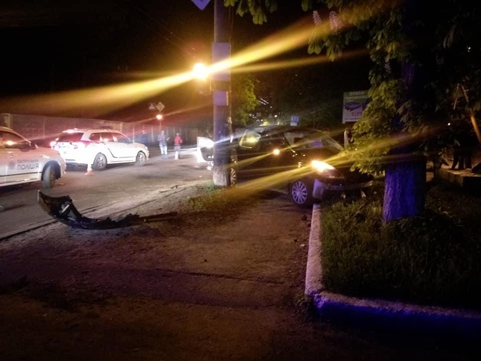 Автомобіль патрульних потрапив у ДТП (Фотофакт)