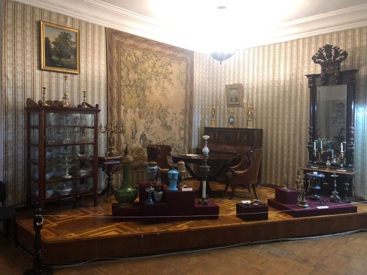 Нічні «забави» в Чернігові прикрасить культова річ із дорогоцінного металу (Фото)
