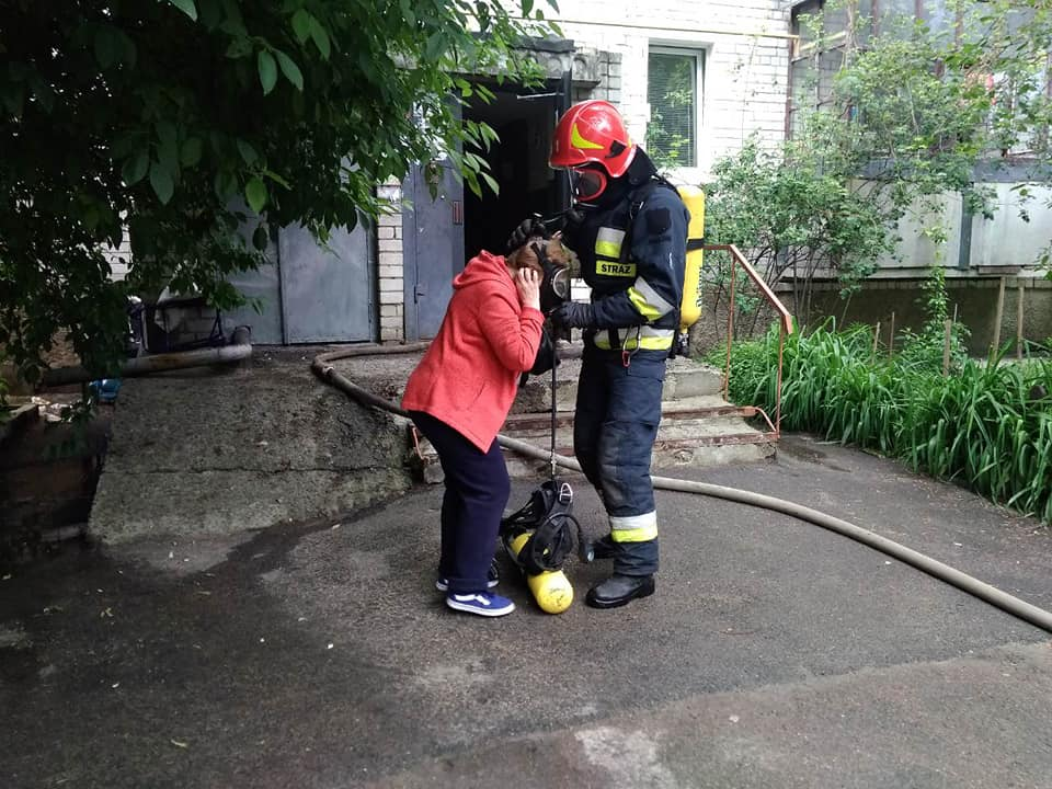 У Чернігові сталася пожежа в багатоповерхівці (Фото)