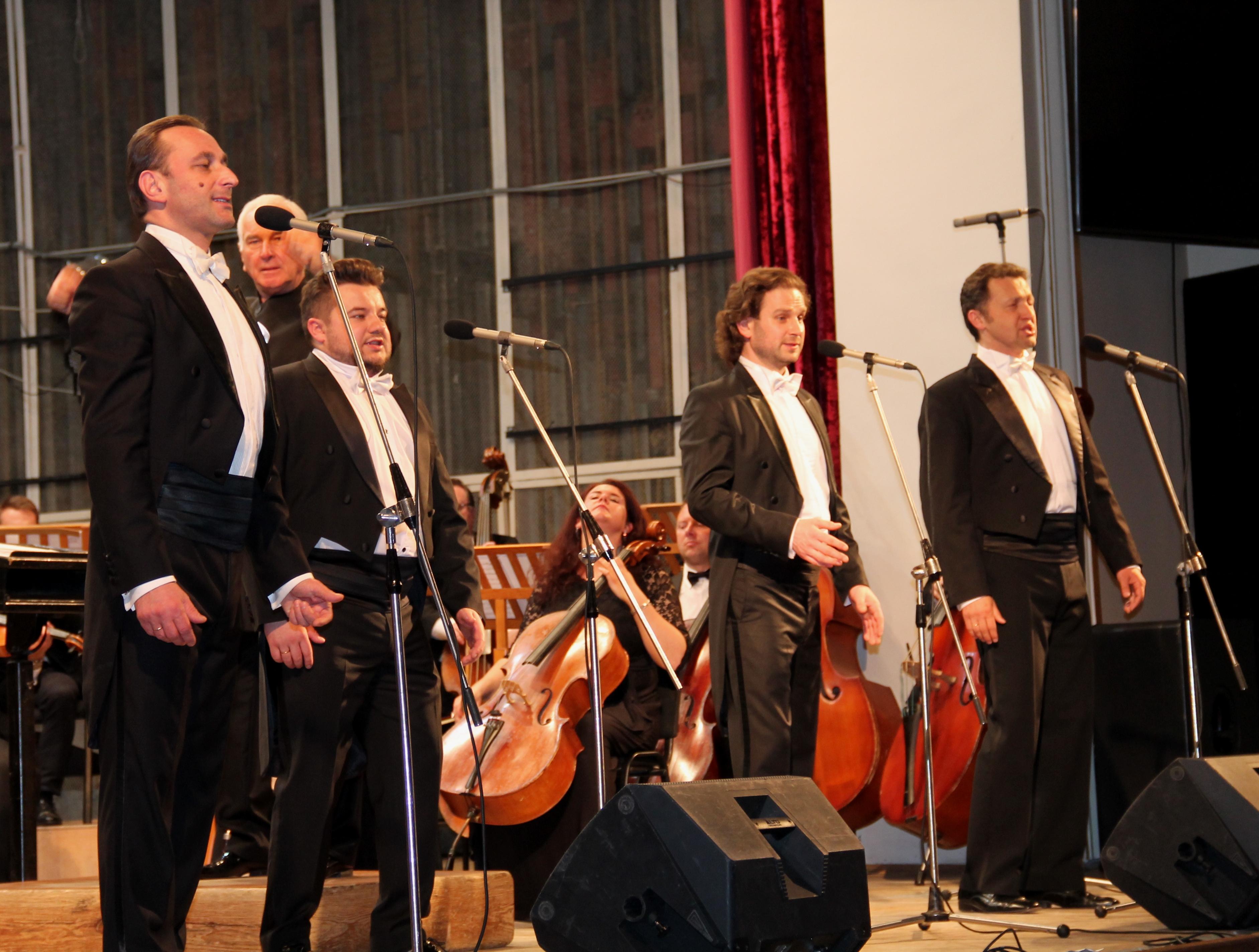 """""""Tenors bel'canto"""" і оркестр """"Філармонія"""": шедевр за шедевром (Фото)"""