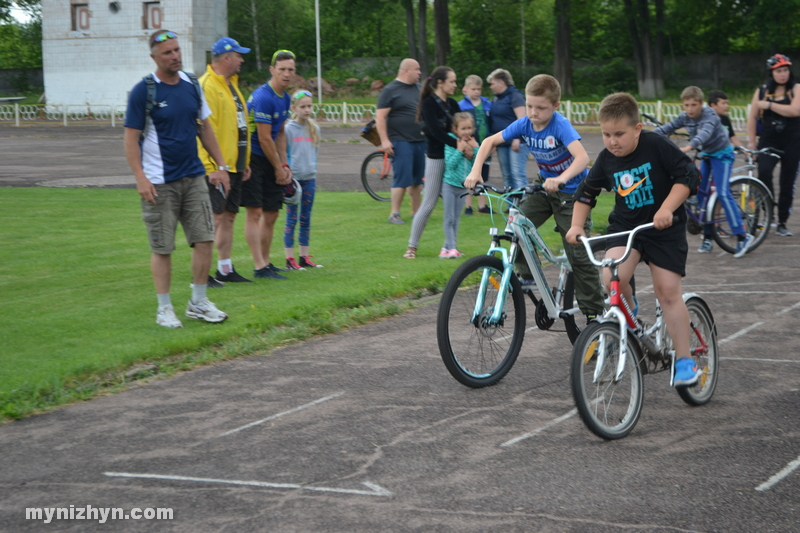 Маленькі ніжинці змагалися за перемогу у велогонках (Фото)