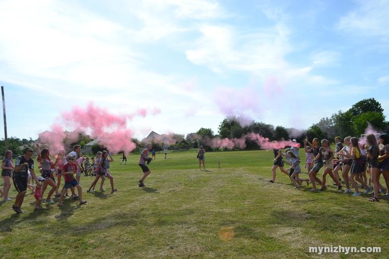 У Ніжині пройшла битва фарбами (Фото)