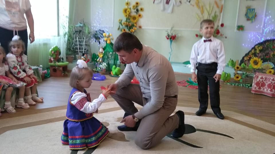 Дітлахи з будинку «Надія» отримали подарунки (Фото)