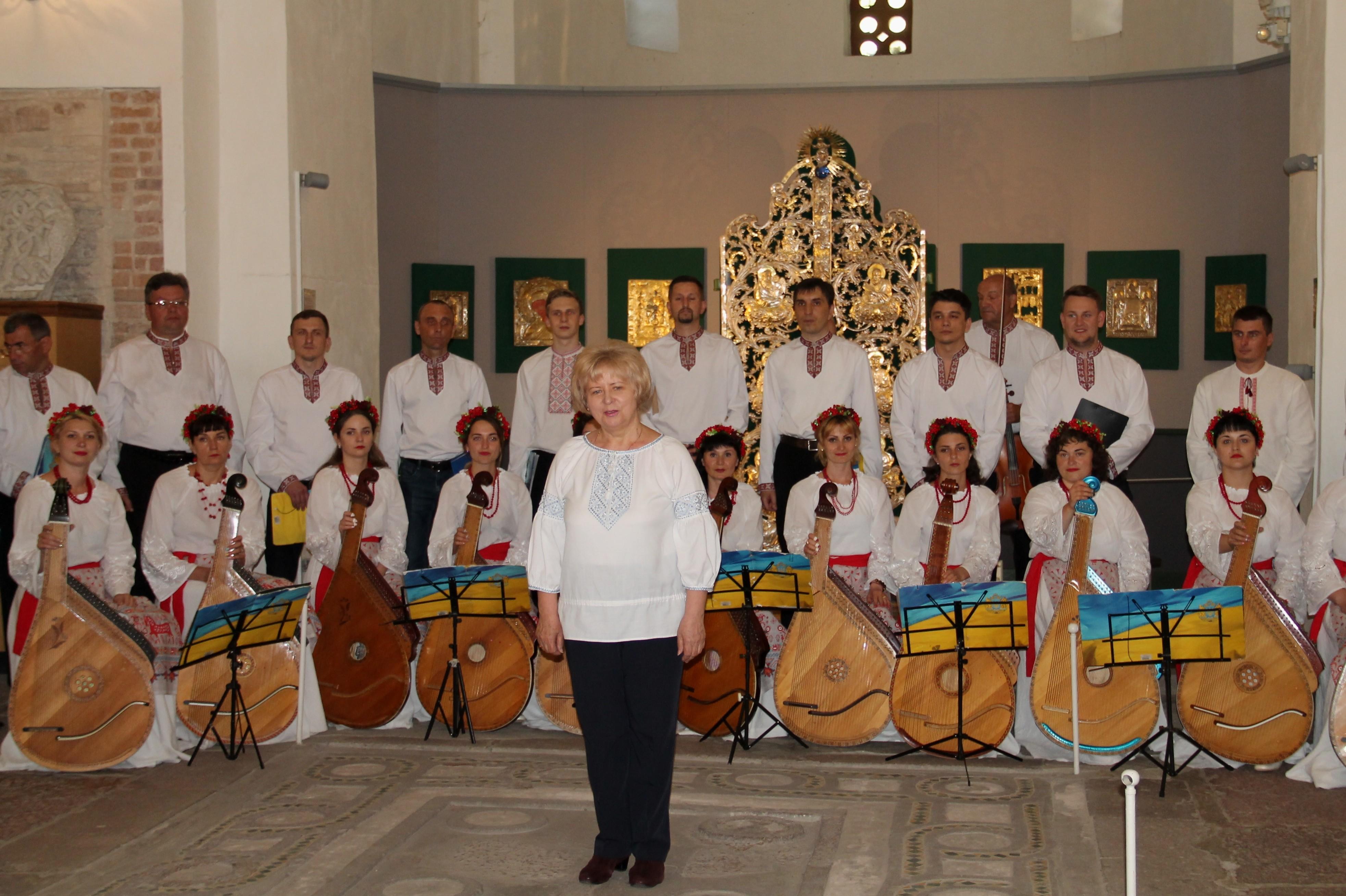 """У Борисоглібському соборі представили програму """"Бандура – сестра Арфи і Клавесина"""" (Фото)"""