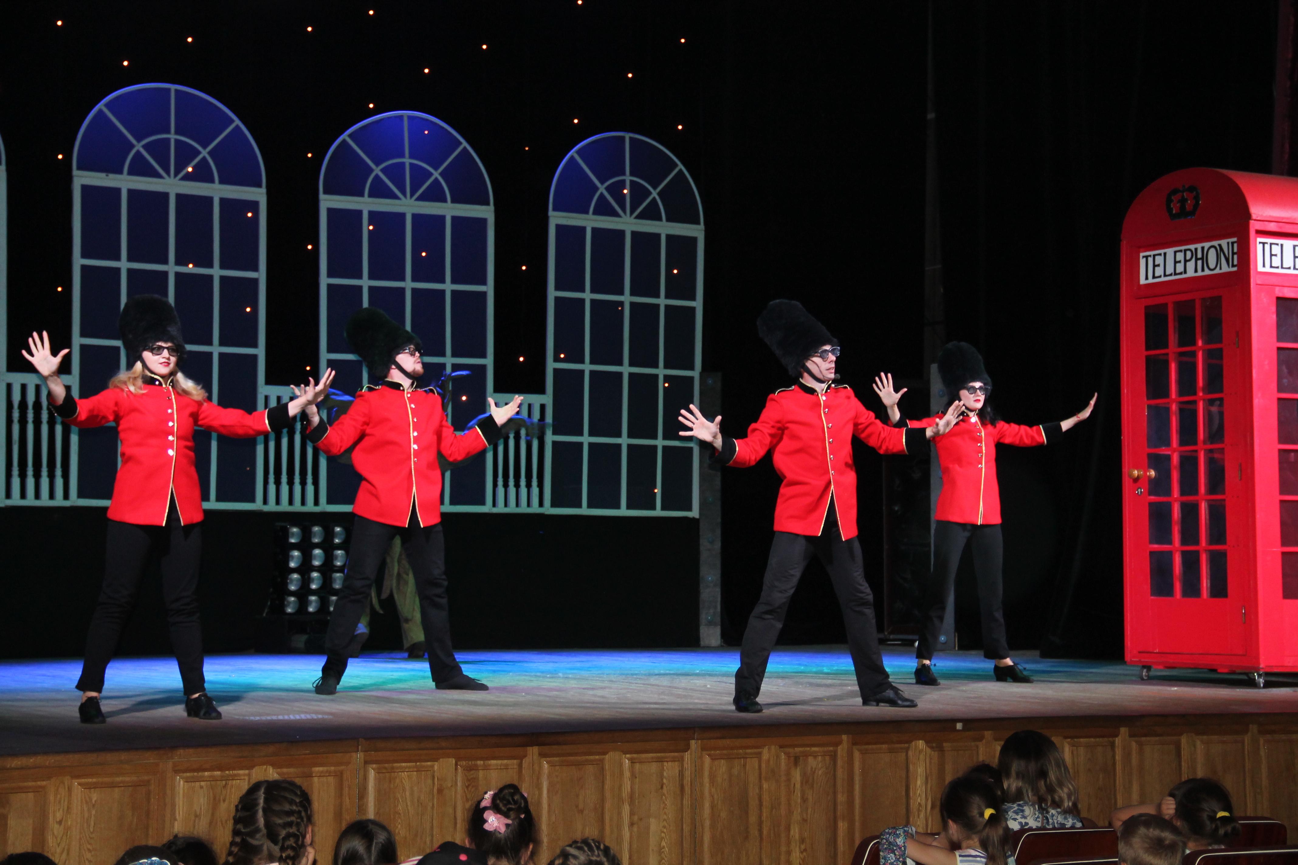 «Попелюшка»: шістдесятий аншлаг на чернігівській сцені (Фото)