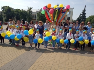140 прилуцьких дошкільнят взяли участь у флешмобі (Фото)