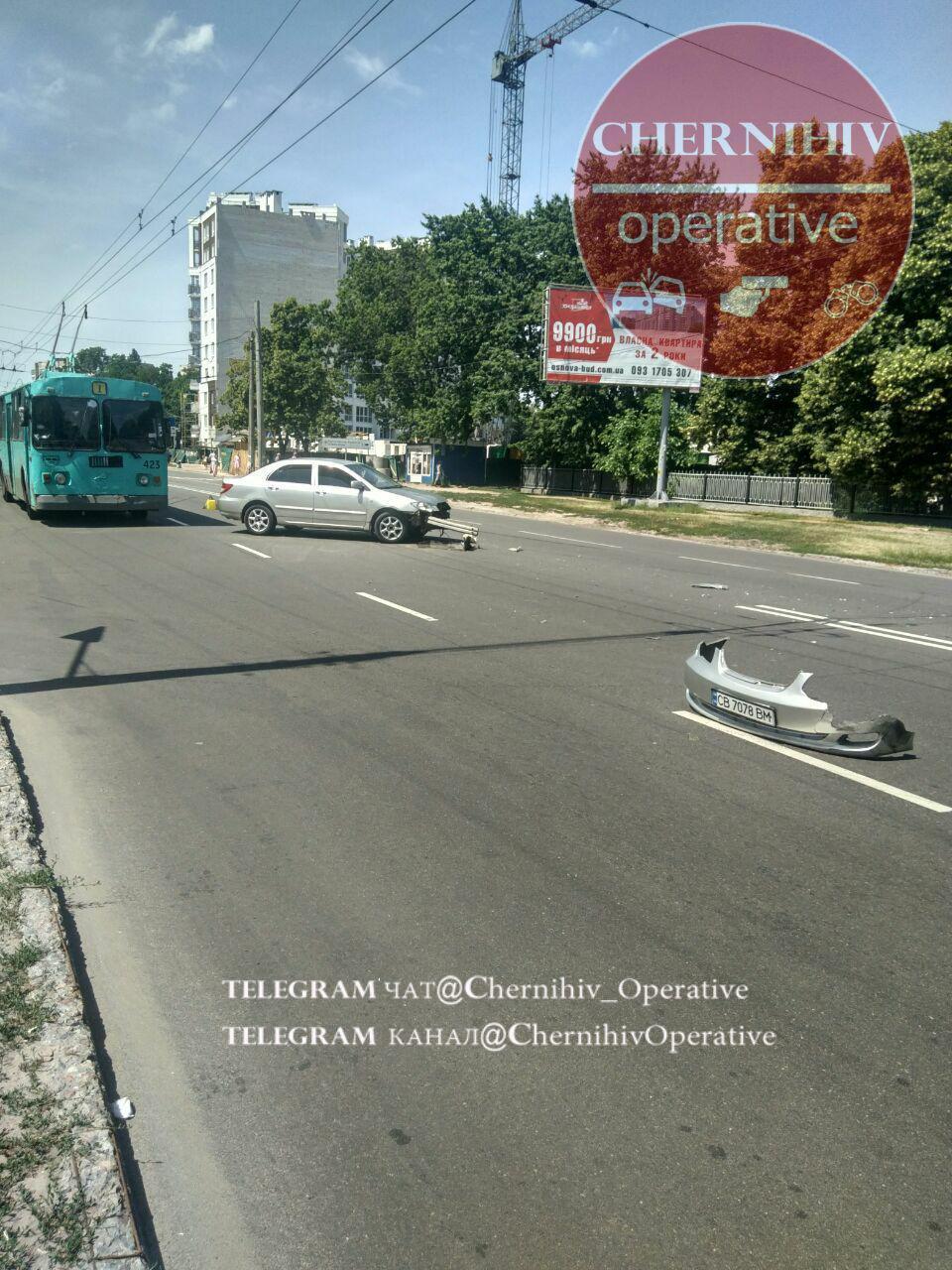 На проспекті і П'яти кутах ДТП (Фотофакт)