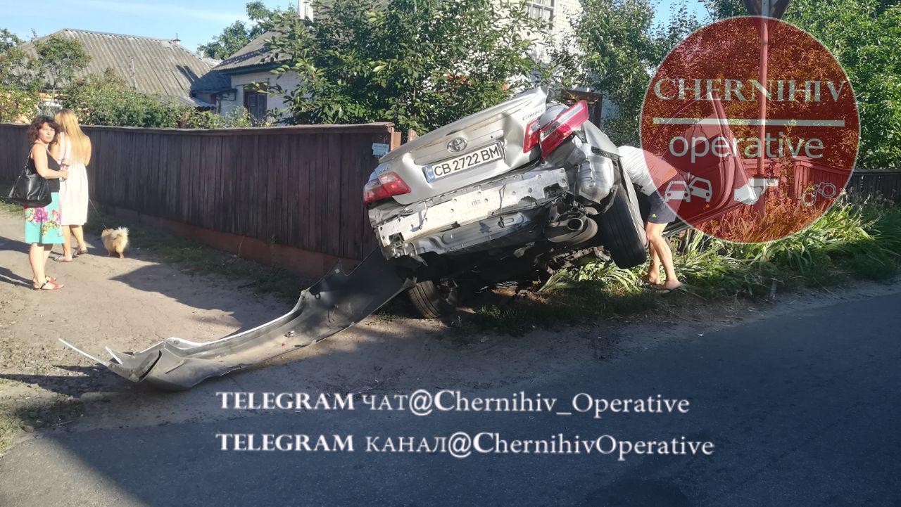 Toyota зіткнулася з маршруткою: є постраждалі (Фото)