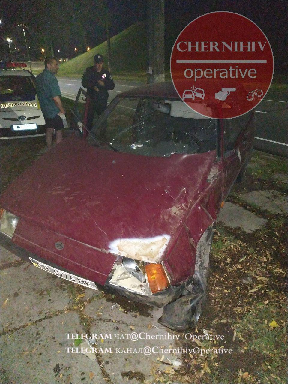 У Чернігові через п'яних водіїв трапилося дві ДТП (Фото)