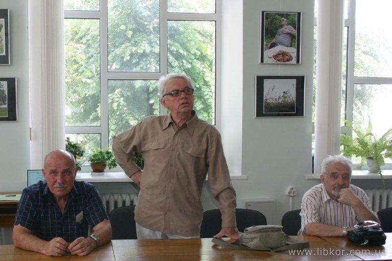 У бібліотеці Короленка відбулася година пам'яті чернігівського фотографа Анатолія Чорноівана (Фото)
