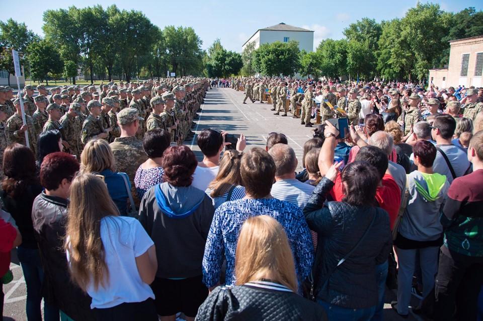 У Десні кілька сотень юнаків склали присягу (Фото)