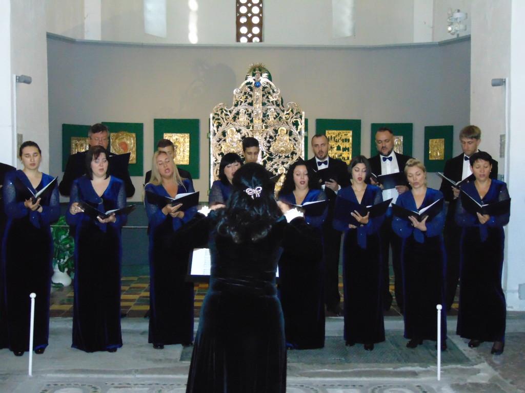 Хор ім. Бортнянського розпочав серію концертів-лекцій у Борисоглібському соборі (Фото)