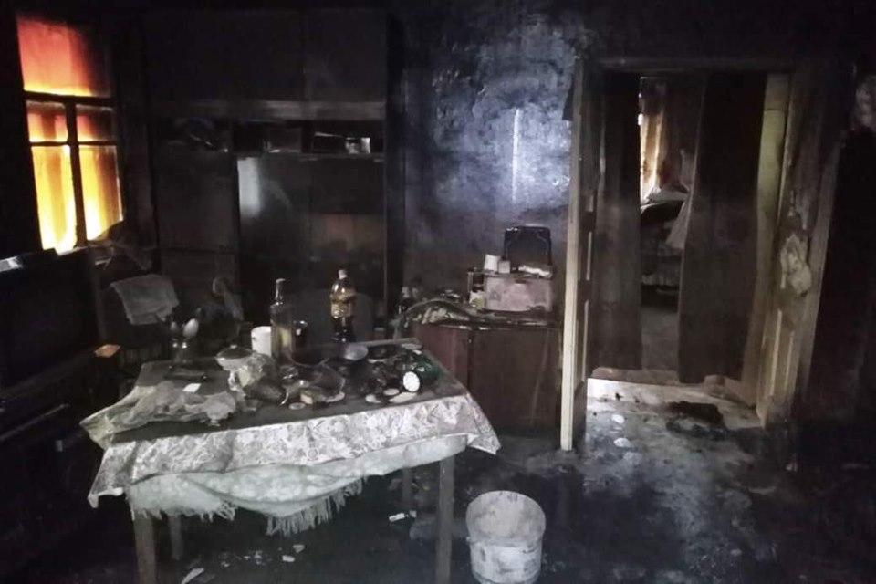 На Чернігівщині у будинку згоріли двоє людей