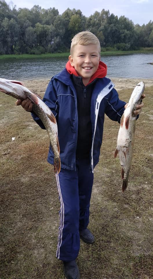 Рибні вихідні: рибалки хизуються уловом (Фото)