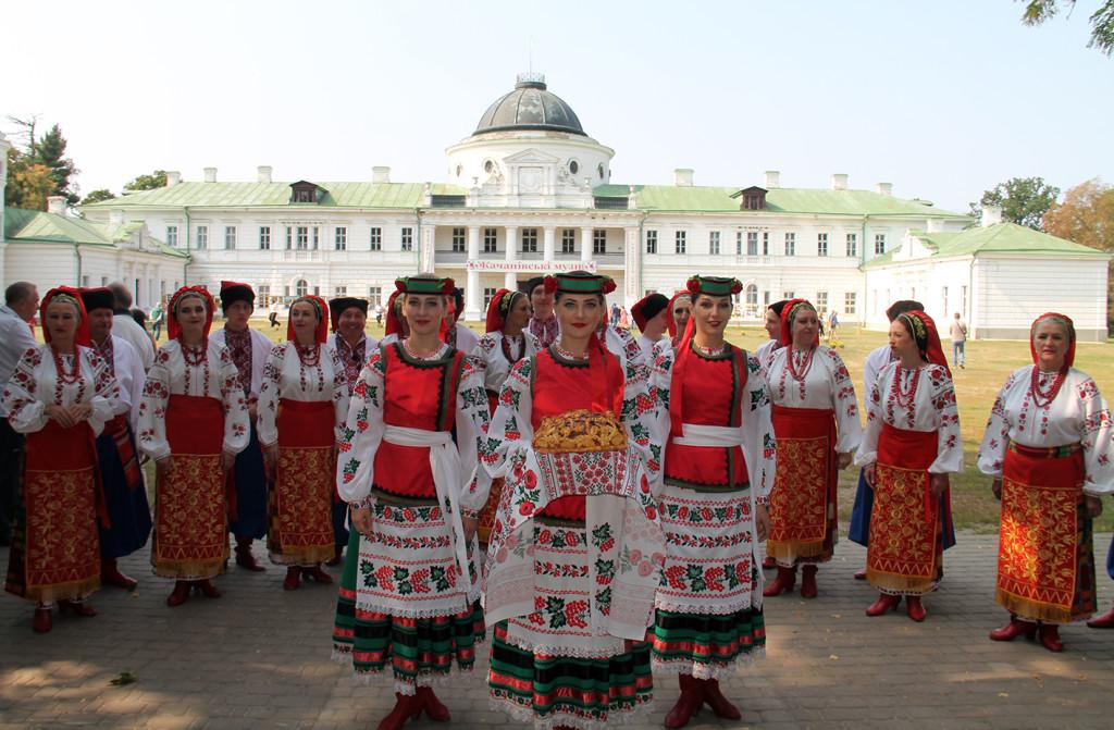 Артисти філармонійного центру – на ХІІІ літературно-мистецькому святі «Качанівські музи» (Фото)