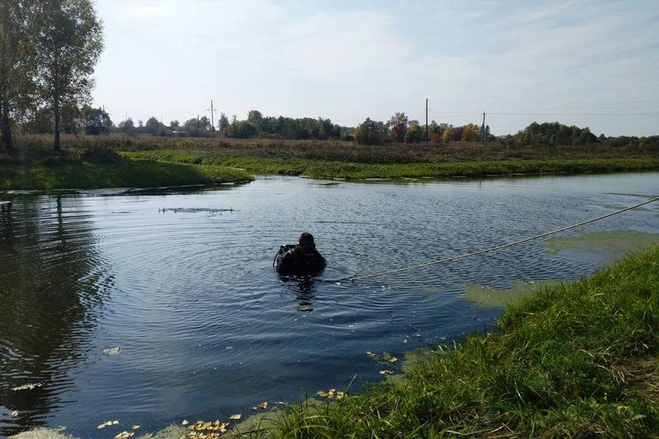 На Чернігівщині з водойми вилучили та знищили артилерійський снаряд