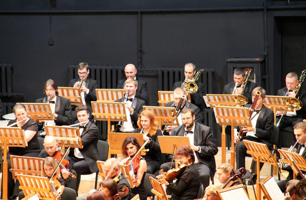 Твори Рахманінова і Бетховена – на сцені філармонійного центру у виконанні легендарних музикантів
