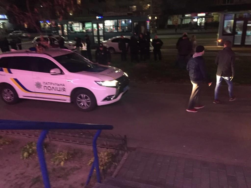 Голлівудський блокбастер «по-чернігівськи»: на Рокоссовського чоловік намагався вкрасти автівку і погрожував пістолетом (Фото)