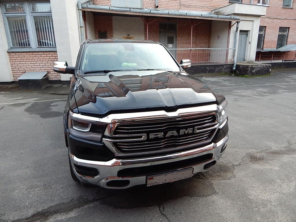 На Чернігівщині затримали два автомобіля, що переміщувались за підробленими документами (Фото)