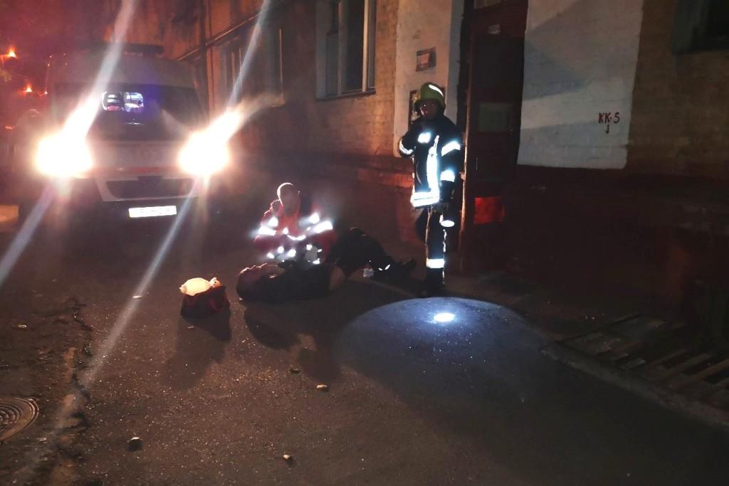Рятувальники розказали подробиці пожежі у п'ятиповерхівці на Гончій