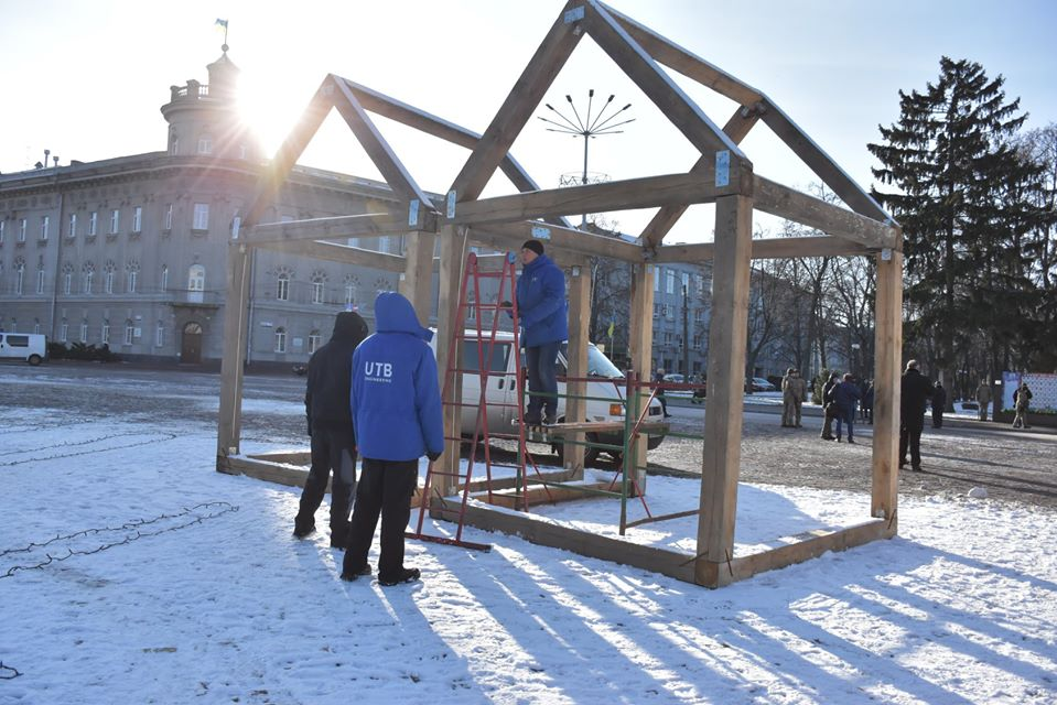 Красна площа готується до новорічних святкувань (Фото)
